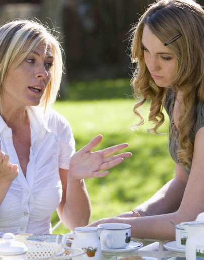 Çocuğunuzu Eleştirmeyin, Çocuğunuzu Övün…
